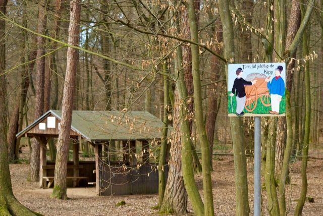 Tünnes  und Schäl im Wald