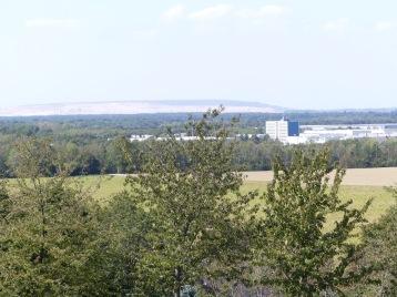 Blick von der Glessener Höhe auf den Tagebau.