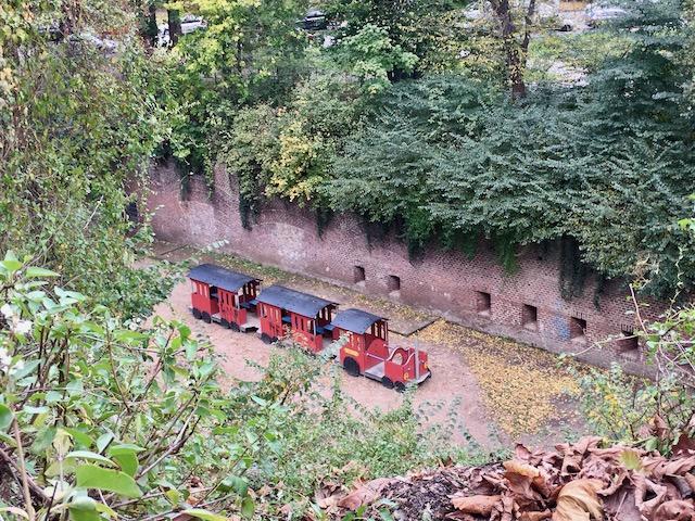 Bimmelbahn im Wehrgraben